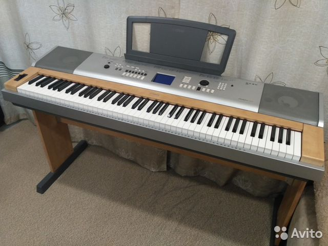 Цифровое пианино Yamaha DGX-630