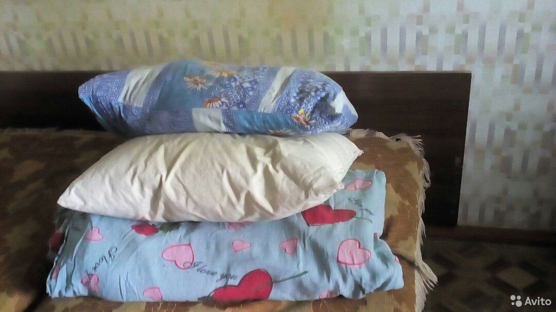 89951042549  Одеяла и подушки