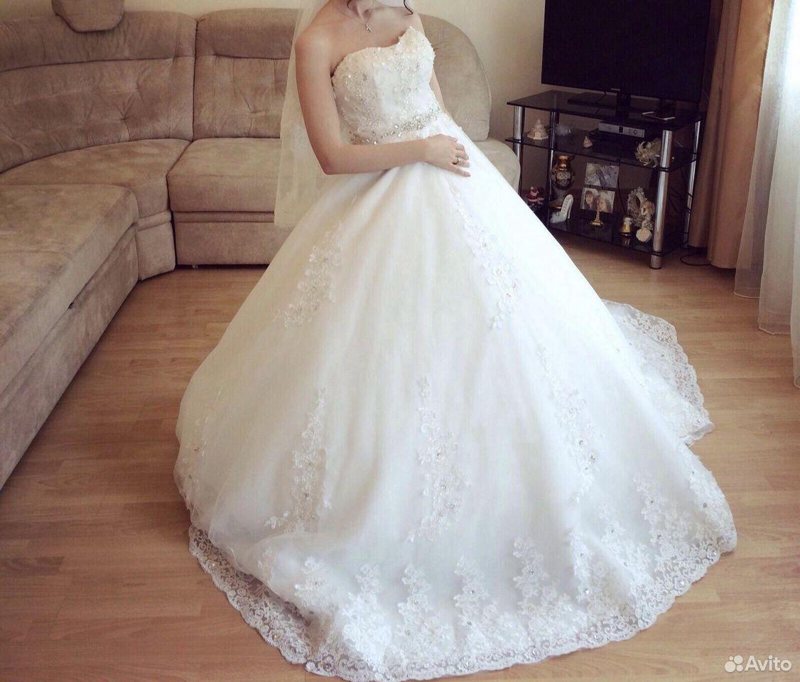 Свадебные платья 42-44 размера  89624337775 купить 4
