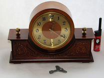 Настольные часы Весна с ключом завод на 14дн СССР